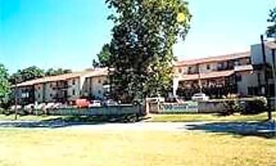 Pythian Manor West, 0