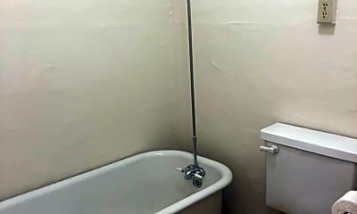Bathroom, 1812 NW Flanders St, 2