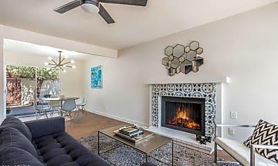 Living Room, 1182 E Belmont Ave, 0