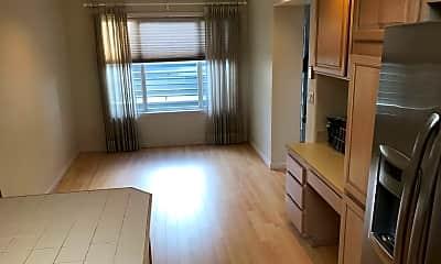 Kitchen, 501 Kirkland Ave, 1