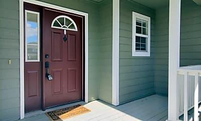Patio / Deck, 8818 W Bonnie Ave, 1