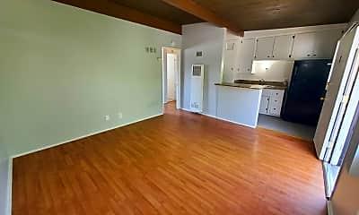 Living Room, 6447 N Figueroa St, 1