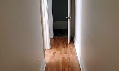 Bathroom, 831 N 9th St, 2