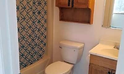 Bathroom, 402 River St, 2