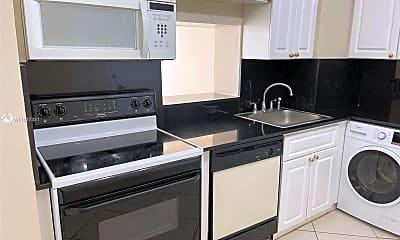 Kitchen, 6770 Indian Creek Dr 8J, 2