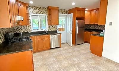 Living Room, 35 Cottonwood Rd, 1