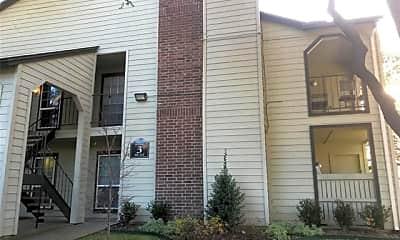 Building, 5981 Arapaho Rd 304, 1