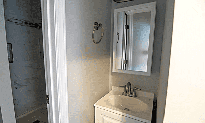 Bathroom, 322 Garfield St, 2