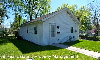 Building, 1112 E Division Ave, 0