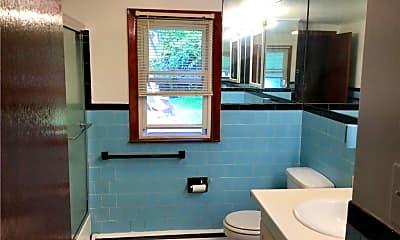 Bathroom, 10 Fenwood Dr, 2