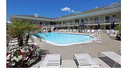 Pool, 1600 Atlantic Ave, 2