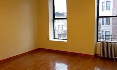 Living Room, 638 Decatur St, 2
