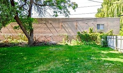 Building, 271 N 100 E, 2