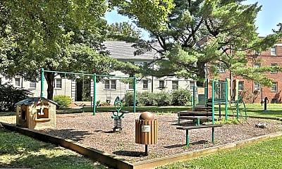 Playground, 2234 Washington Ave W-101, 2