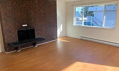 Living Room, 6809 N Atlantic St, 1