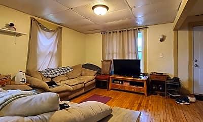 Living Room, 528 E Walnut St, 1