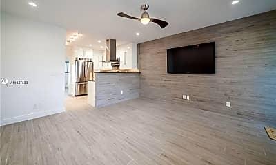 Living Room, 600 Layne Blvd 109, 1