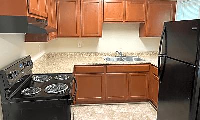 Kitchen, 1311 Sims Cir, 1