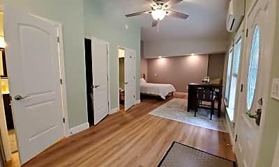 Living Room, 131 University Dr, 0