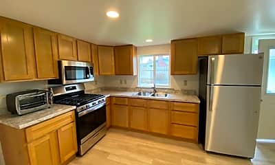 Kitchen, 4303 Horseman Ln, 1