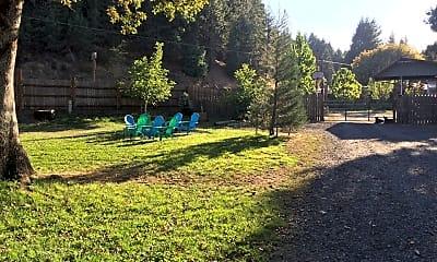 13730 Redwood Hwy, 1