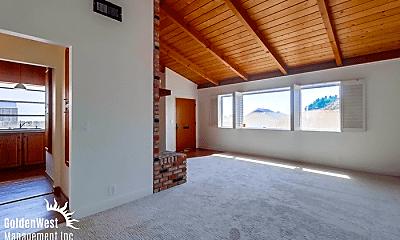 Living Room, 5030 Raymond Pl, 0