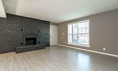 Living Room, 101 E Green Meadows Rd, 1