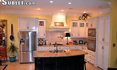 Kitchen, 909 Middlebrook Cir, 1
