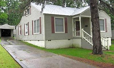 Building, 3224 N Poplar St, 1