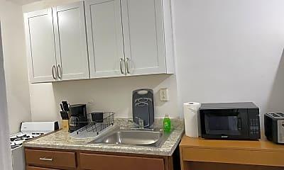 Kitchen, 628 19th St NE, 2