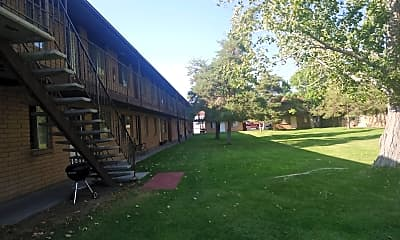 Menlo Manor, 2