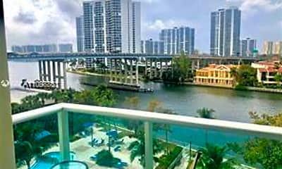 19390 Collins Ave 711, 0