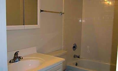 Bathroom, Surrey Place Apartment Homes, 2