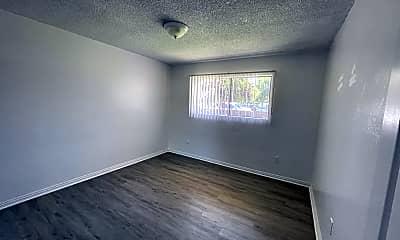 Living Room, 2815 S H St, 1
