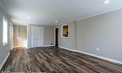 Living Room, 338 Poplar Ave, 2