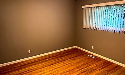Living Room, 2429 Humboldt Ave, 2