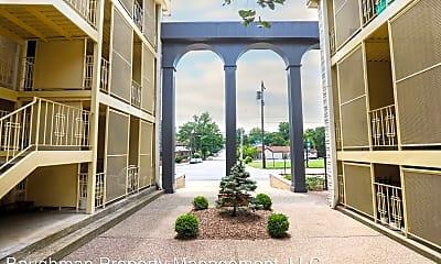 Building, 527 E Main St, 1
