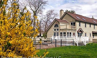 Building, 1439 NY-9P, 2