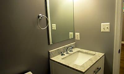 Bathroom, 2801 R St SE, 2