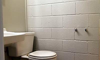 Bathroom, 401 N Maple St, 2