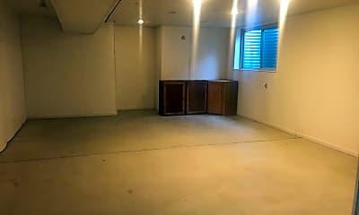 Living Room, 3780 Cottage Dr, 2