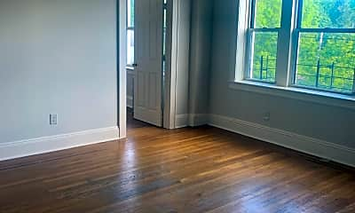 Living Room, 131 Silver Lake Rd 304, 2