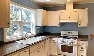 Kitchen, 718 Wolfe St, 1