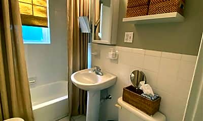 Bathroom, 11 Ellery St, 2