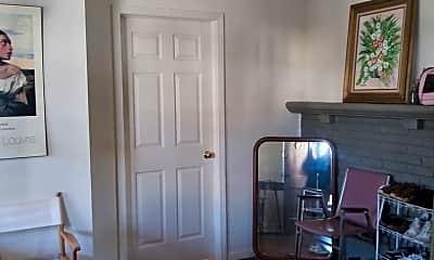 Living Room, 716 S Park Ave, 1