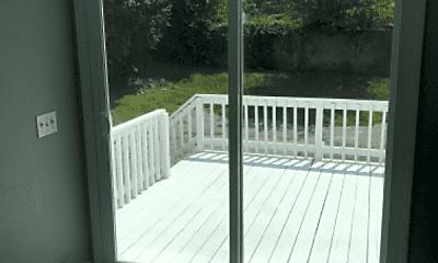 Patio / Deck, 230 Roosevelt St, 2