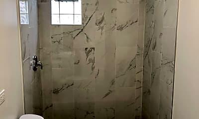 Bathroom, 1455 W Huron St, 2