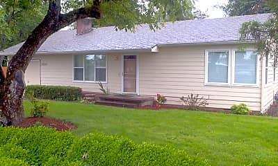 Building, 2585 Front St NE, 1