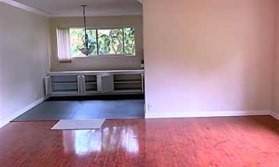Living Room, 2940 Montrose Ave, 1