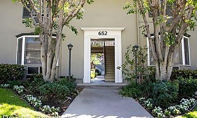 Building, 652 Orange Grove Ave, 1